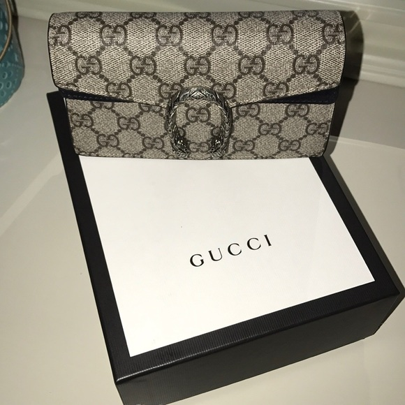 9bbca5e1b84 Gucci Handbags - Dionysus GG Supreme super mini bag